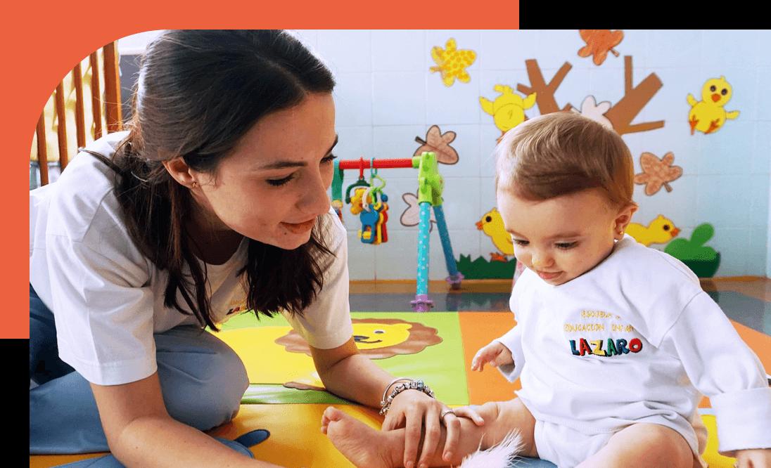 profesora con bebé